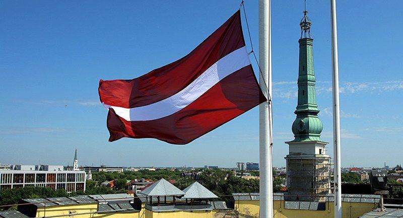 Трудовой договор для иностранца и условия получения вида на жительство в Латвии