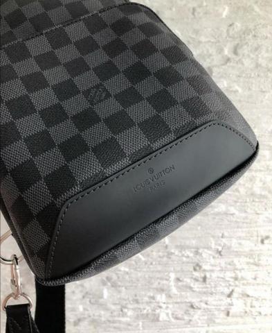 Продам сумку AVENUE SLING BAG LV - 2
