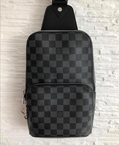 Продам сумку AVENUE SLING BAG LV - 4