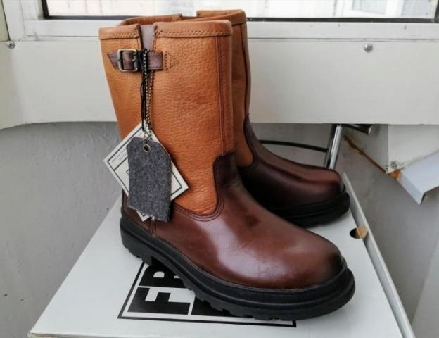 Продам зимние сапоги FRYE Riley Shearling Boots - 1