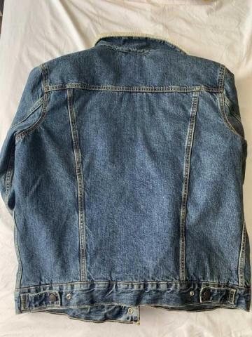 Продается мужская куртка  TRUCKER SHERPA Levi's - 2