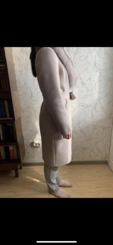 Продаётся бежевое женское зимнее пальто - 3