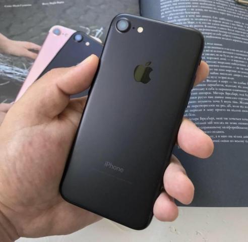 Продам iPhone 7 - 1