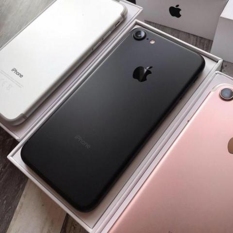 Продам iPhone 7 - 2