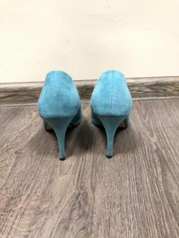Голубые замшевые туфли лодочки с открытым мысом - 2