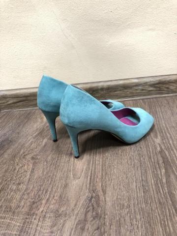 Голубые замшевые туфли лодочки с открытым мысом - 3