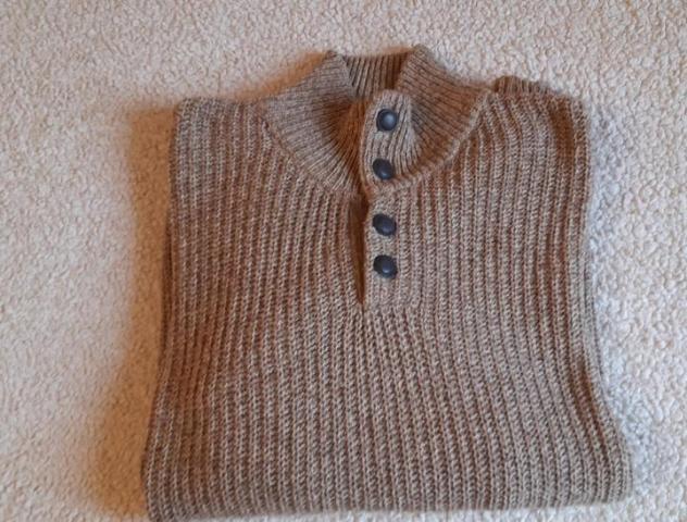 Продам мужской свитер - 1