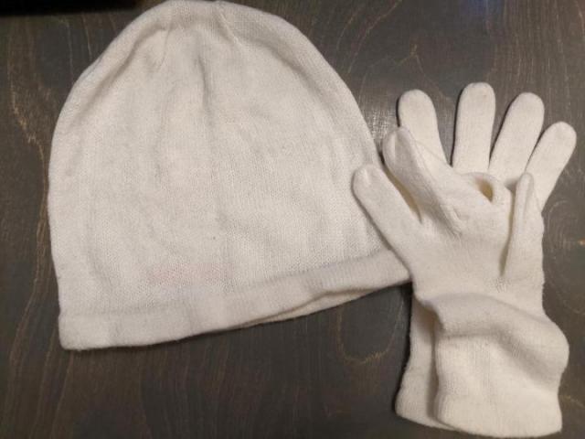 Шапка и перчатки - 1