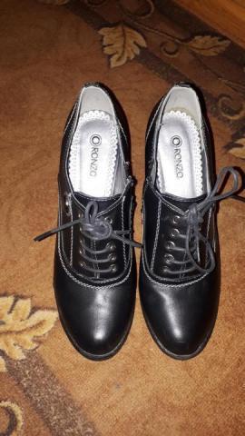 Продам ботинки женские - 1