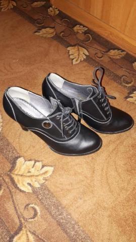 Продам ботинки женские - 2