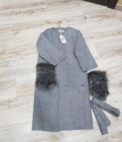 Продам легкое пальто - 1