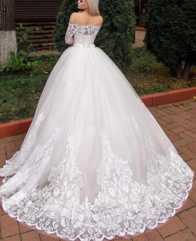 Продам новое шикарное пышное платье со шлейфом - 1