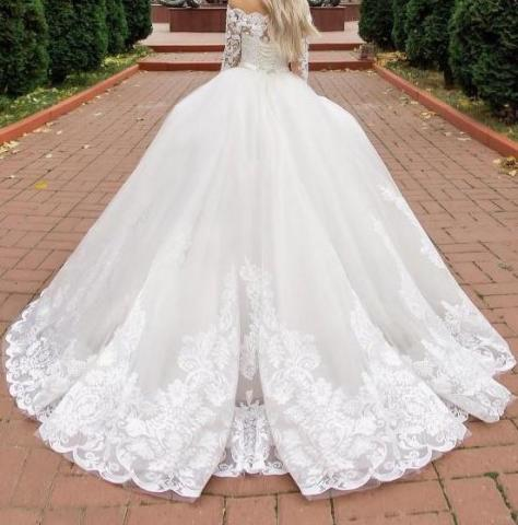 Продам новое шикарное пышное платье со шлейфом - 2