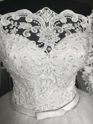 Продам новое шикарное пышное платье со шлейфом - 3