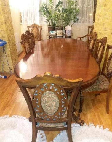 Продам деревянный стол и стулья - 1