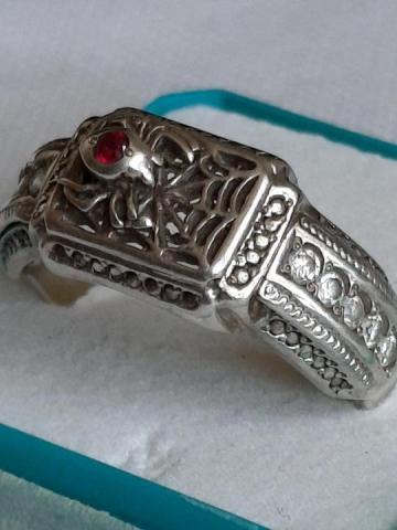 Продам  серебренное кольцо - 1