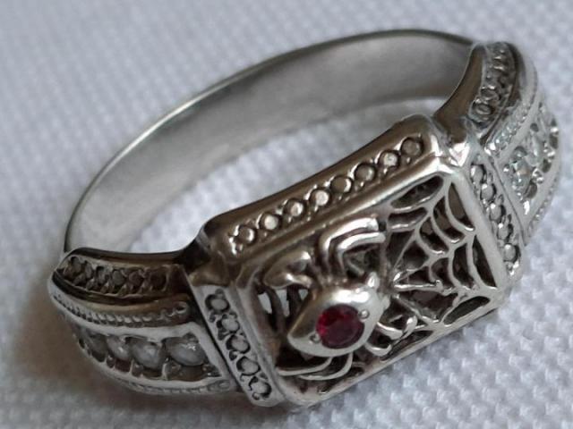 Продам  серебренное кольцо - 2