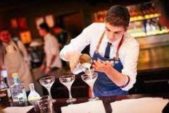 Требуются  бармены для работы в Греции