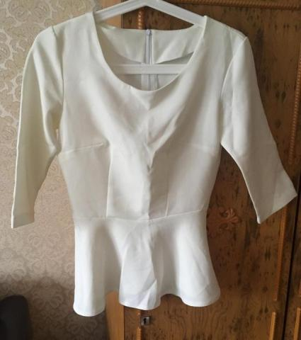 Продам белую блузку с баской - 1