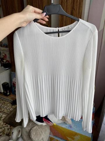 Продам плиссированная белая блузка - 1