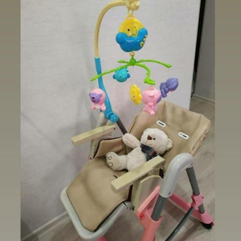 Продам  стульчик для кормления - 1