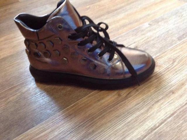 Продам женские ботинки весна-осень - 2