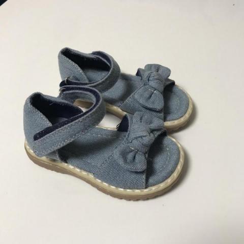 Продам сандалии для девочки Mothercare - 1