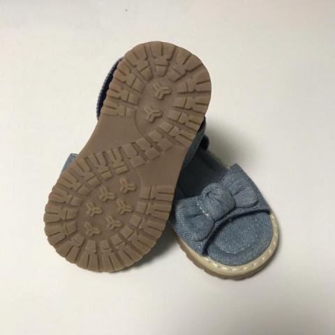 Продам сандалии для девочки Mothercare - 2