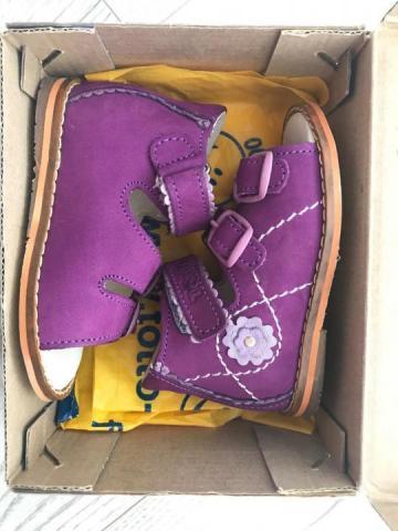 Продам новые сандалии - 1