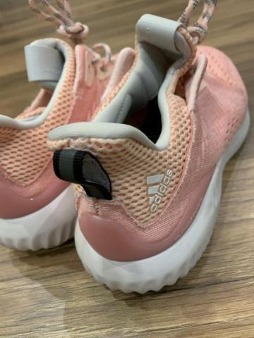 Продам  кроссовки Adidas - 1