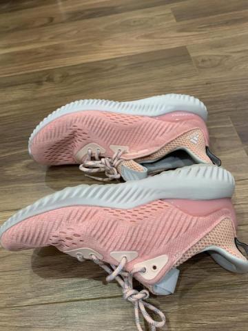 Продам  кроссовки Adidas - 2