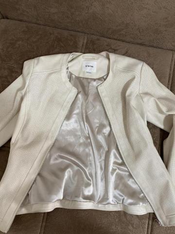 Продаю женскую куртку фирмы Остин - 3