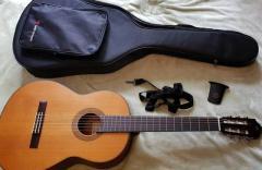 Продам  гитару в Литве