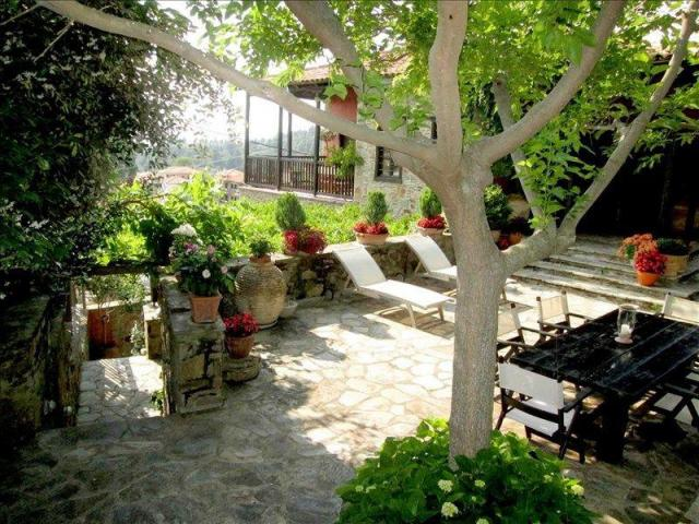 Продам  двухэтажную виллу в Греции - 2