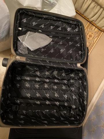 Продам  чемодан - 4