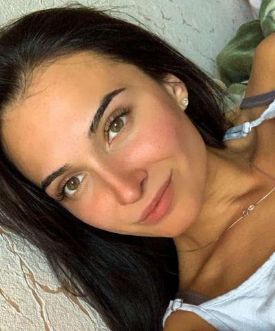 Hello everyone, my name is Kristina, I was born in Russia, I am 26 years old - 5