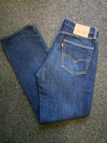 Продам  джинсы Levi's - 1