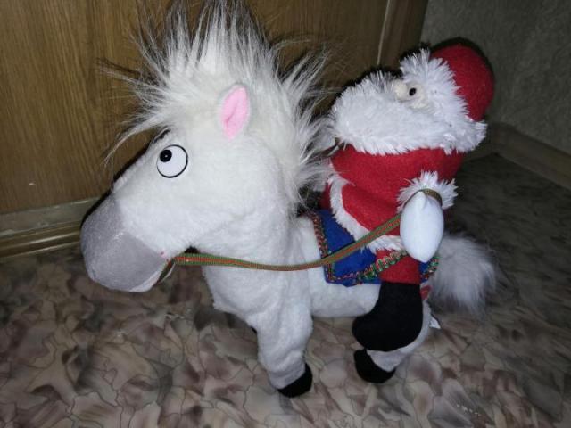 Продам  Лошадь интерактивная - 3