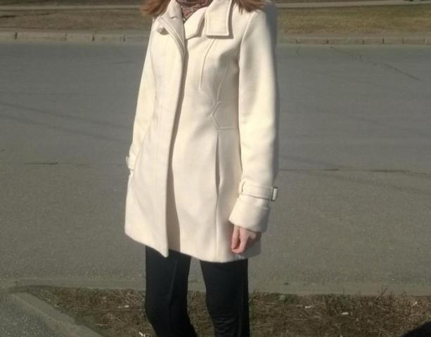 Продам белое пальто демисезонное . - 2