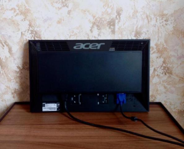 Продаю бу монитор Acer V193HQL - 3