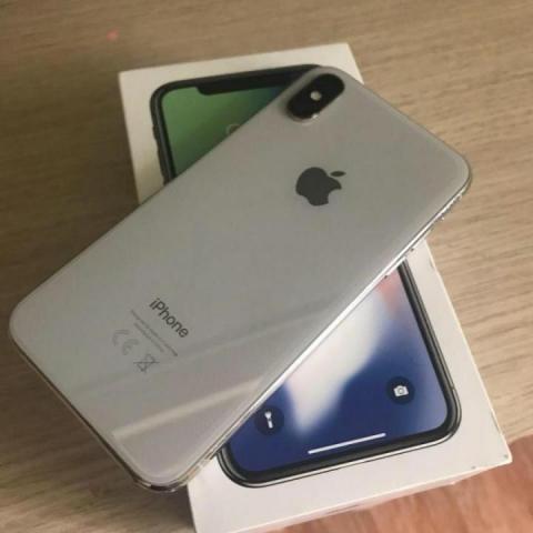 Продам  телефон IPhone Х - 2