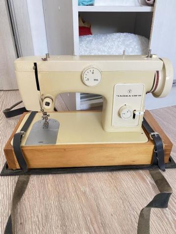 Продам швейную машинку - 1
