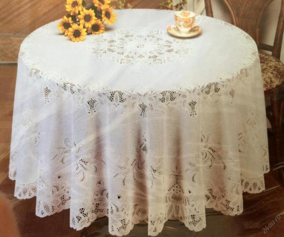 Продам белую  скатерть в Венгрии - 1