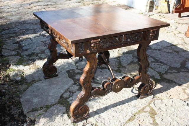 Продается  дубовый антикварный стол в Испании - 2