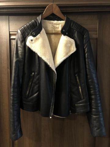 Продаю куртку  в Черногории - 1