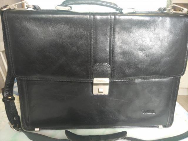 Продам портфель в Румынии - 5