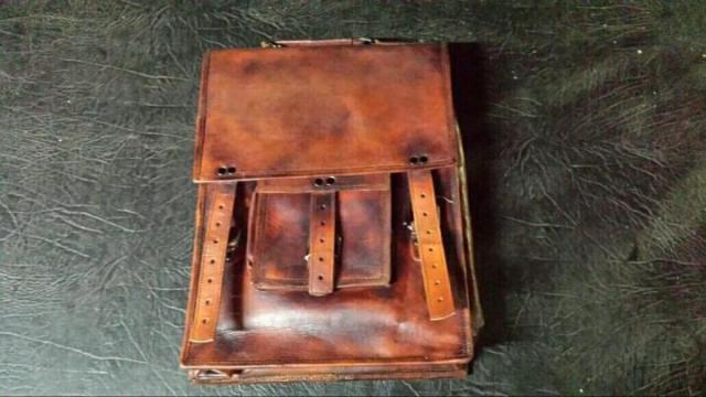 Продам новую кожаную сумку  в Португалии - 3