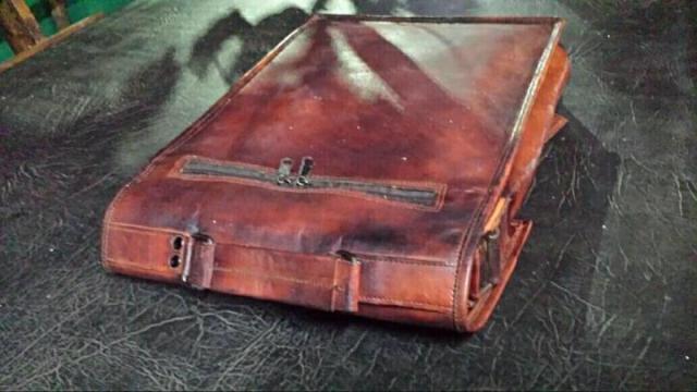 Продам новую кожаную сумку  в Португалии - 5