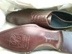Продам абсолютно новые туфли ботинки в Италии