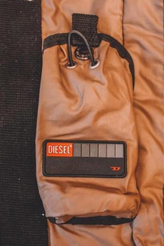 Продам сумку DIESEL в Бельгии - 4